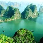 Khám phá kỳ quan vịnh Hạ Long