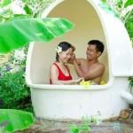 Độc đáo với trò tắm bùn trong trứng ở Nha Trang