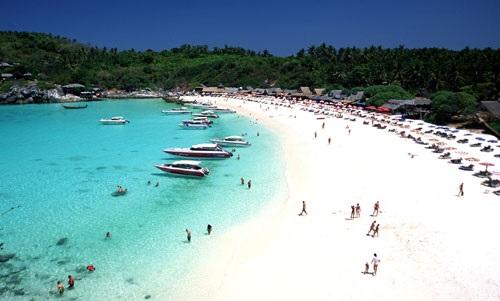 Bãi biển Hat Patong phát triển nhất ở Phuket