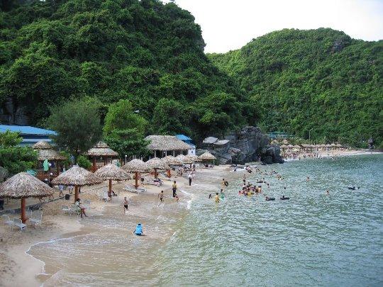 Bãi tắm Cát Tiên