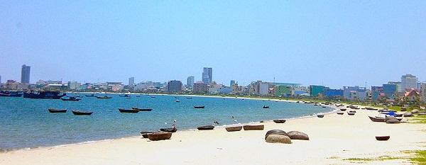 Bờ biển cát trắng Đà Nẵng