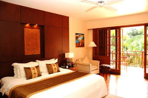 Phòng ngủ hướng ra biển, hồ bơi thoáng mát