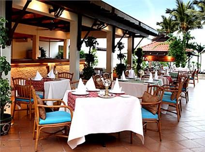 Nhà hàng với không gian mở
