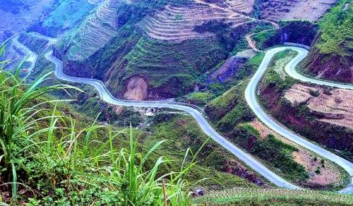 Mã Pì Lèng- con đường đèo huyền thoại ở Hà Giang