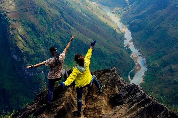 Đỉnh đèo Mã Pì Lèng- nơi du khách ngỡ ngàng trước vẻ đẹp hùng vĩ của thiên nhiên