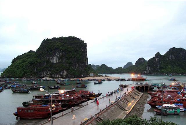 Cảng huyện Vân Đồn