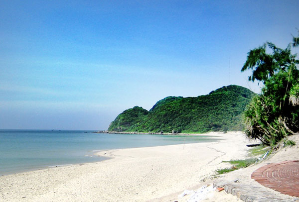 Vẻ đẹp hoang sơ Đảo Quan Lạn, Vân Đồn, tỉnh Quảng Ninh.