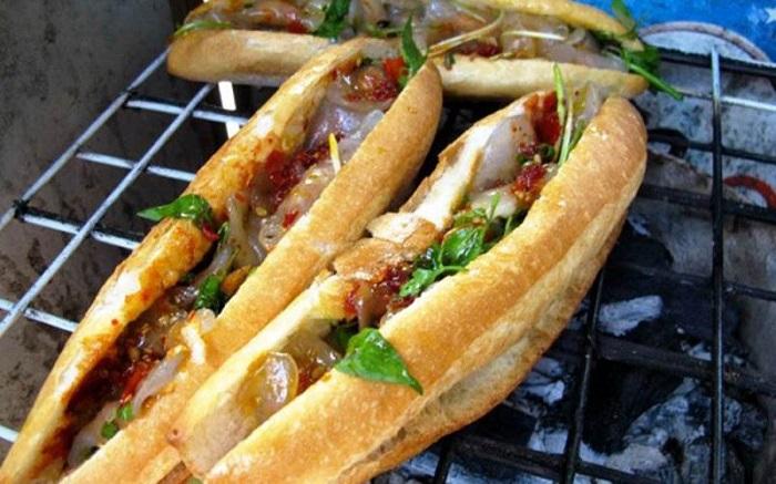 Bánh mỳ bột lọc hấp dẫn chỉ có ở Quảng Bình