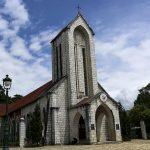 Khám phá nhà thờ đá ở sapa