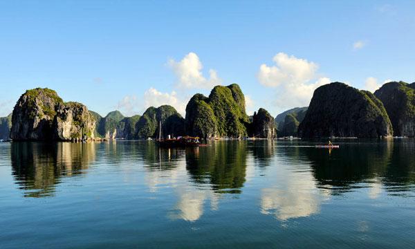 Các đảo nhấp nhô ở Vịnh Bái Tử Long