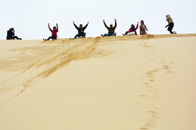 Trò chơi trượt cát thú vị