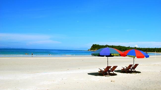 Vẻ đẹp của biển Sơn Hào